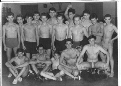 Birkózás egyetemista koromban, alsó sor jobbról balra a második vagyok én